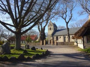 Viel Kirche für wenig Insel